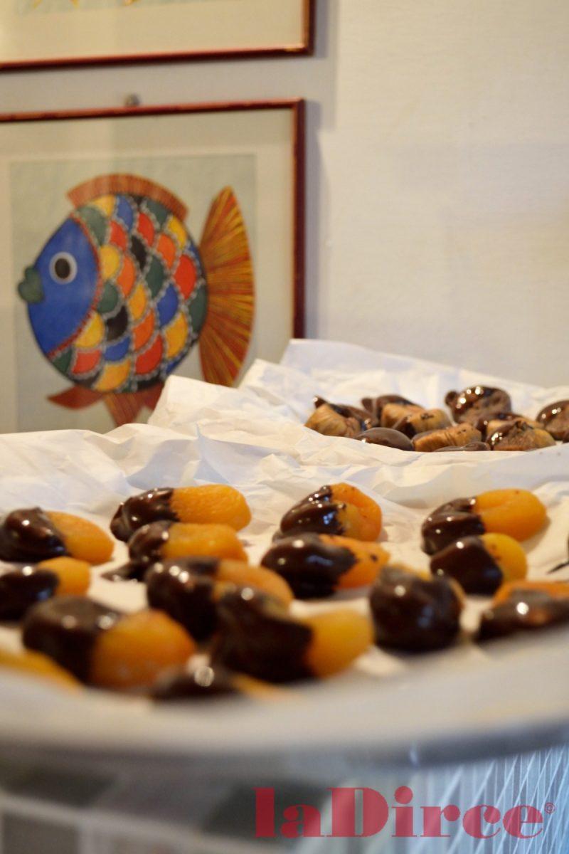 Cioccolata - dolcetti - frutta secca