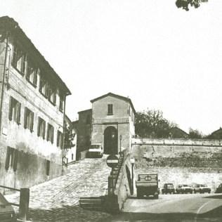 """Tavullia, il Cassero negli anni '80 (da """"Tavullia di nuovo, anzi di antico"""")"""