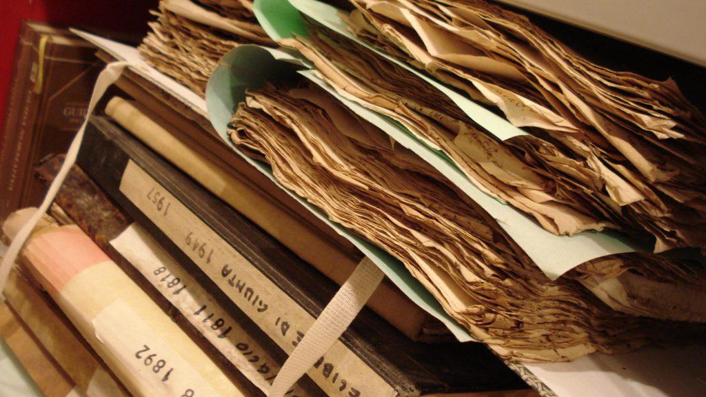 Faldoni in archivio