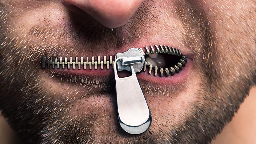 """""""Parlate bene di Bisceglie"""", dal social una polemica politica. Per Spina sarebbe """"un invito all'omertà"""""""