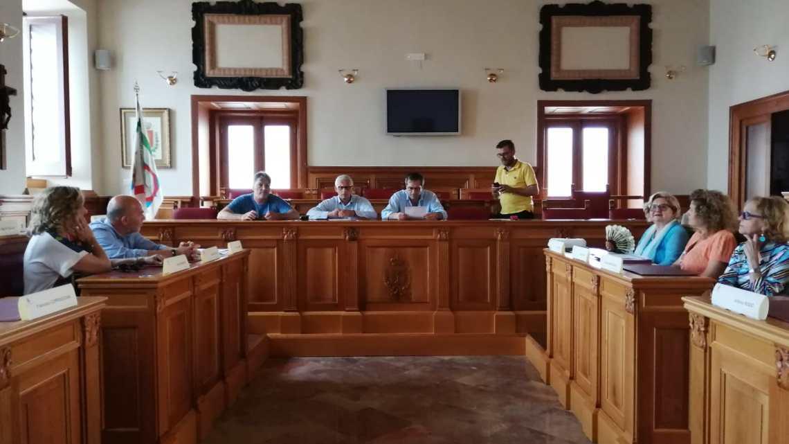 """La """"delegazione della città pulita"""" incontra Sindaco e politici di Bisceglie"""