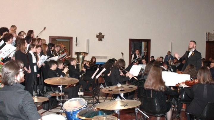 """Fondazione DCL, venerdì 16 agosto """"Note di mezza estate"""" con l'orchestra Fa Mi Fa Re"""