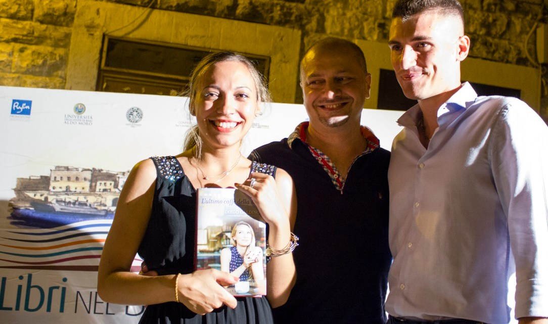 """Diego Galdino a """"Libri nel Borgo Antico"""" per presentare """"Bosco Bianco"""": Bisceglie tra le location narrate nel libro"""