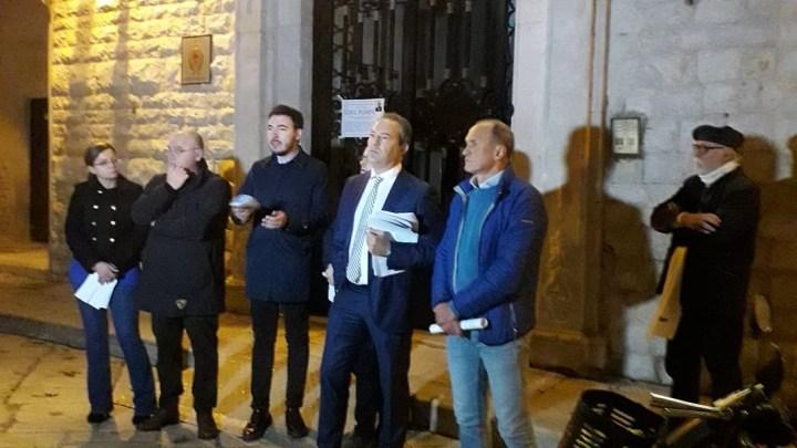 Le opposizioni: «Sul bilancio annullato la legge prevede scioglimento del Consiglio». Esposto al Prefetto