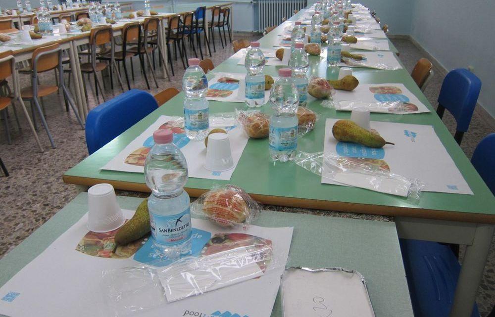 Bastoncini pesce puzzolenti scuole, la replica al Comune dei genitori commissione mensa