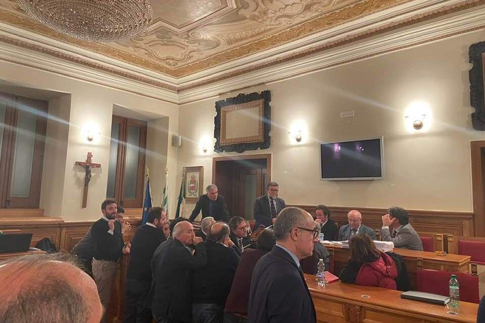 Salta Consiglio comunale su rinnovazione Bilancio, Spina: «Finisce la corsa contro il tempo di Angarano?»