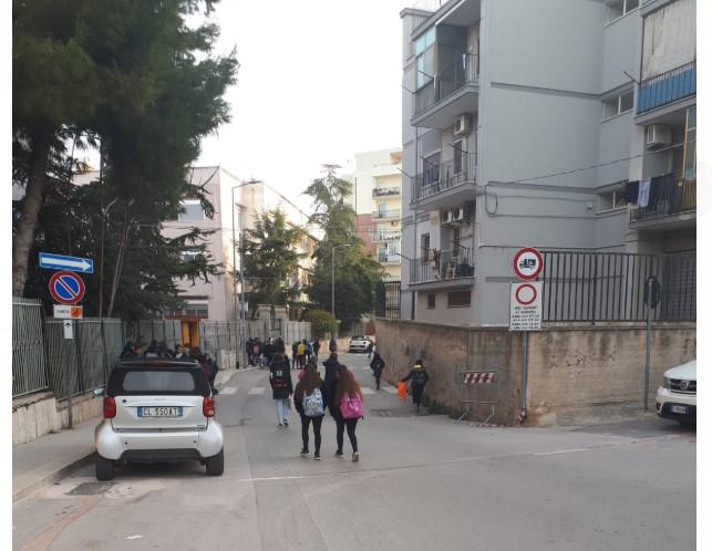 Anno nuovo, problemi vecchi: gli ausiliari del traffico non coprono tutte le aree scolastiche