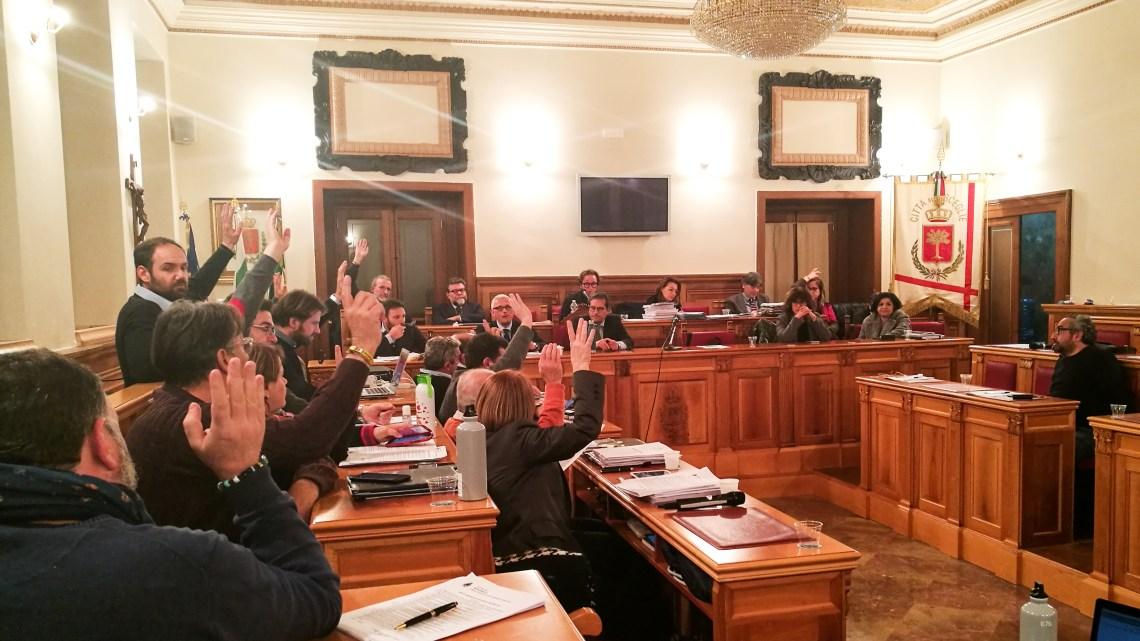 L'amministrazione Angarano resta in piedi, riadottato Bilancio di Previsione