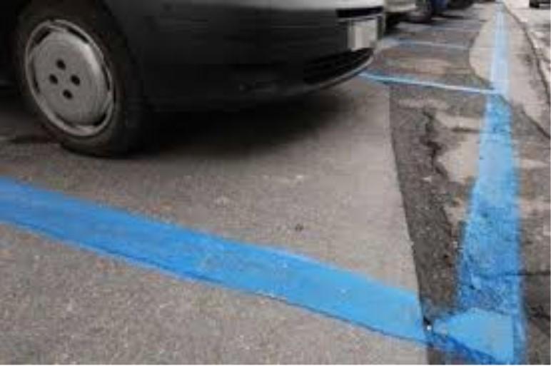 Strisce blu, fino al 3 aprile sospesa la sosta a pagamento