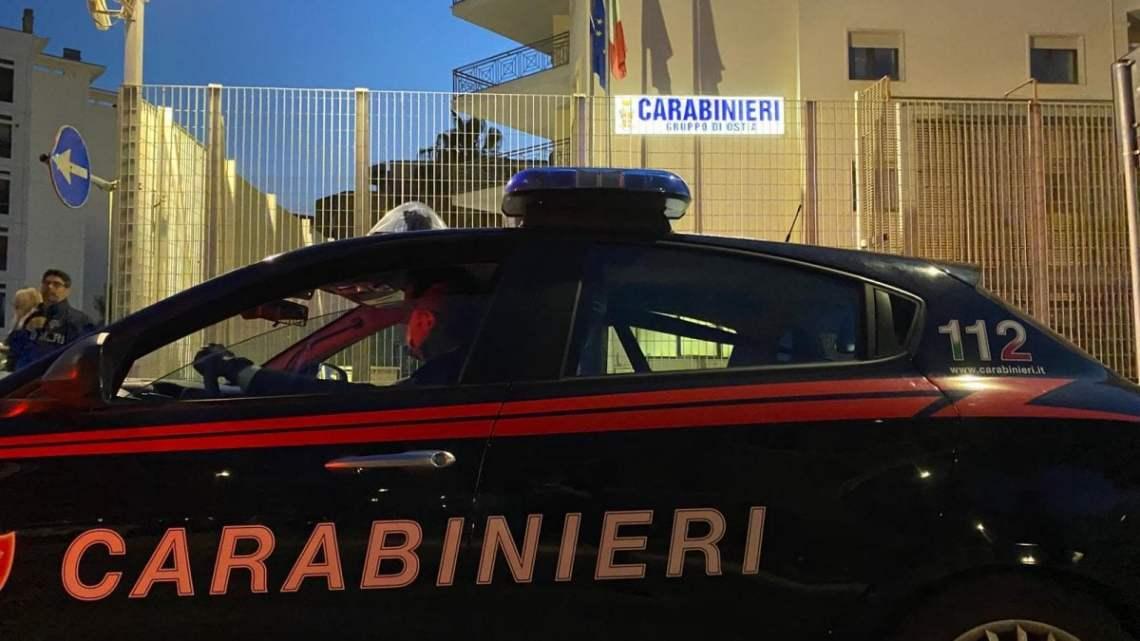 Bisceglie, 16enne picchiato dal 'branco' in piazza: 7 ragazzi arrestati