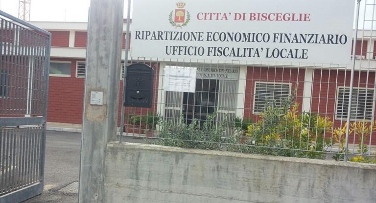 Ufficio fiscalità del Comune chiude al pubblico, in difficoltà l'utenza