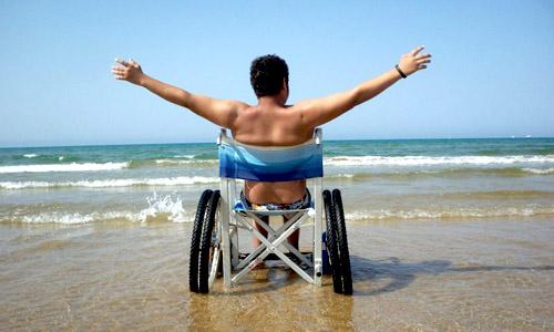 Accessibililità spiagge a disabili, dalla Regione 300 mila euro a Comuni. C'è anche Bisceglie