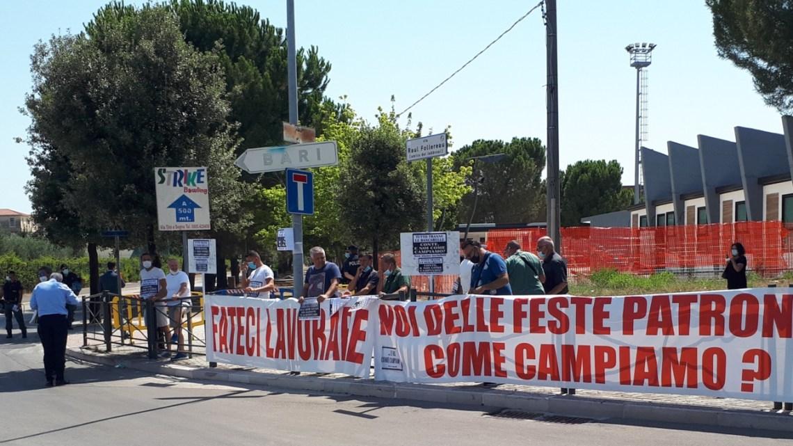 Agitazione ambulanti feste e fiere: consegnano gli F24 al Prefetto Bat