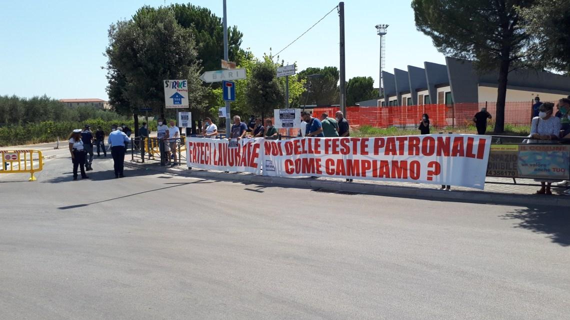 Gli ambulanti della Puglia consegnano un documento a Conte: «Siamo disperati, ma non rassegnati»
