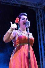 ladispoli vintage officina19 musica ballo rock n roll live piazza rossellini ines boom boom burlesque cabaret_DSC0353