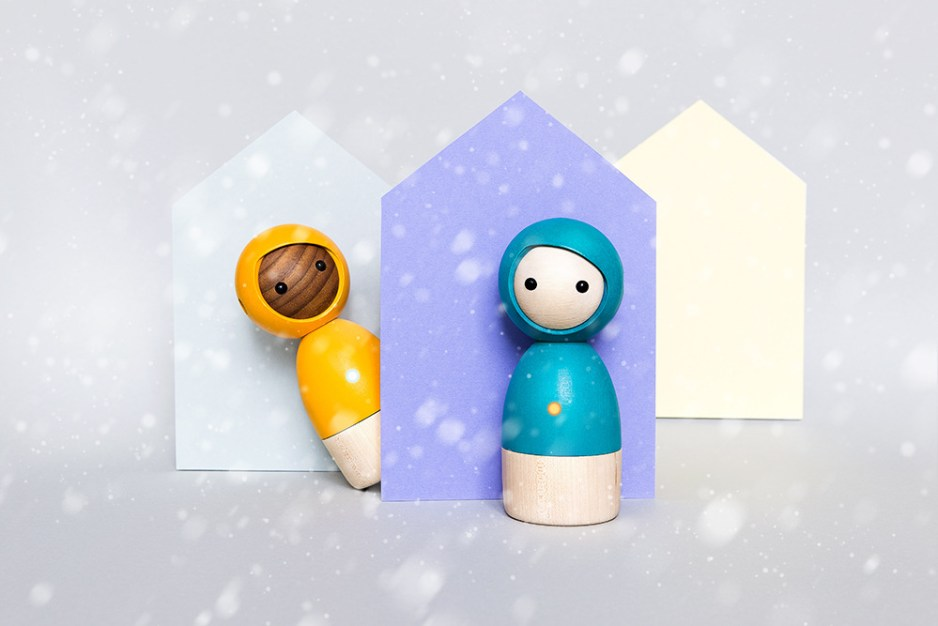 Avaikai_Twins_snow