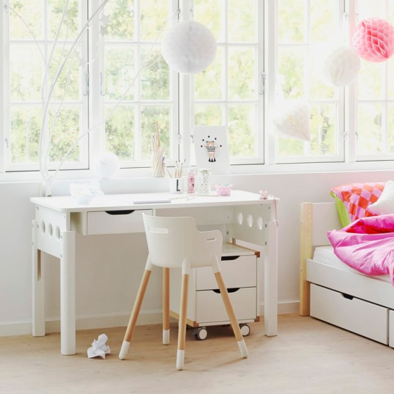 white_room_setting_princess_026