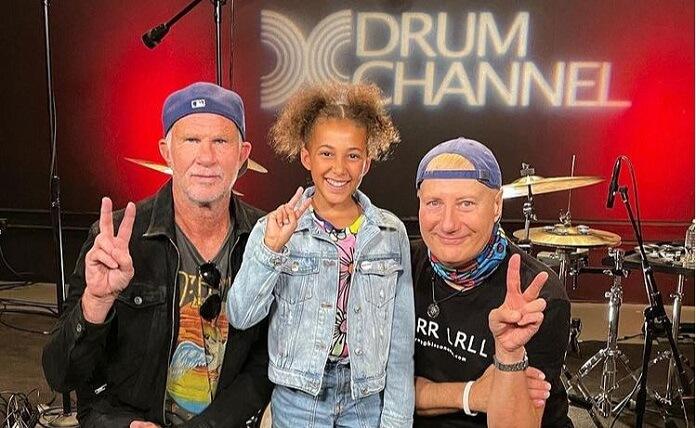 Nandi-Chad-Smith-perkusja-ladnebebe