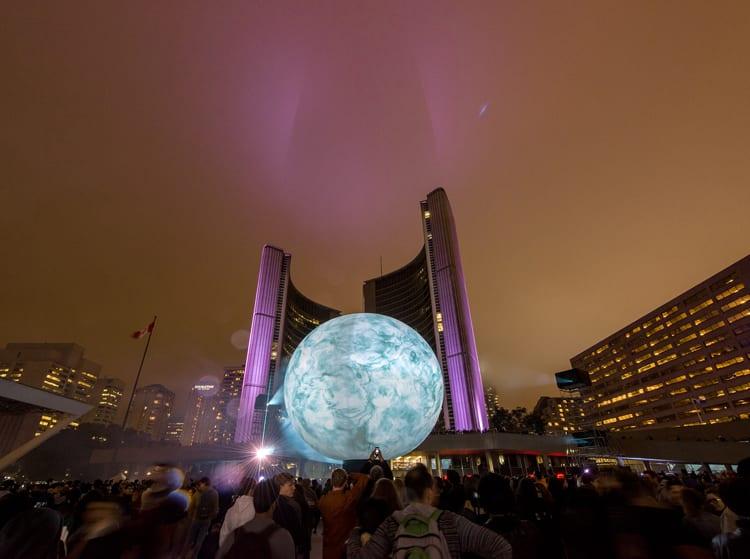 Nuit Blanche Toronto nos anos anteriores (fotos nbto.com)