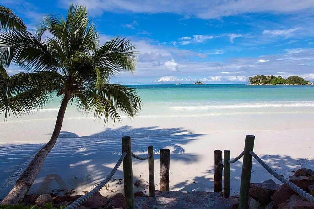 praia praslin