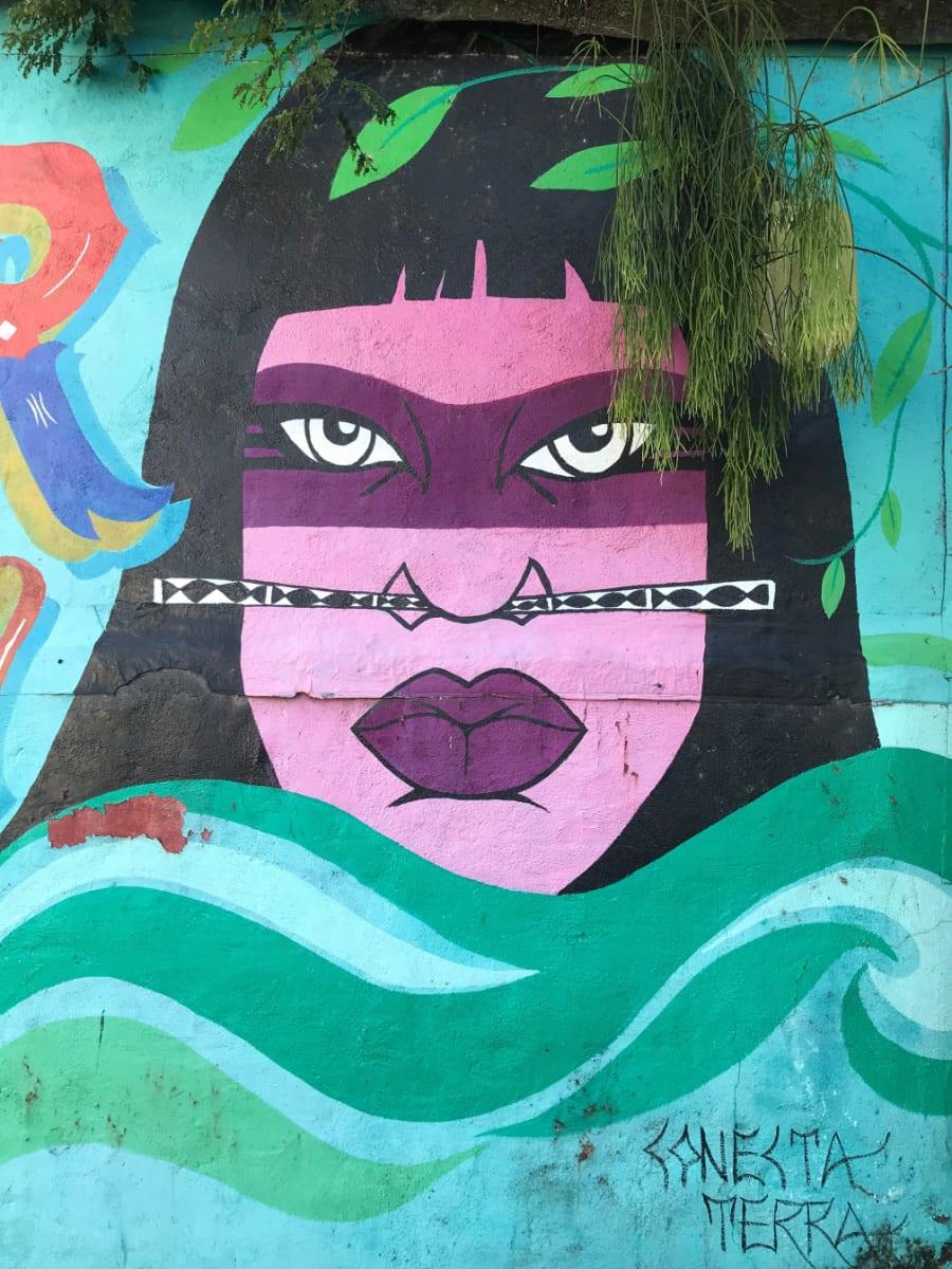 Beco da Mulher Maravilha fica em Maresias (SP) (foto Andrea Miramontes / Lado B Viagem)
