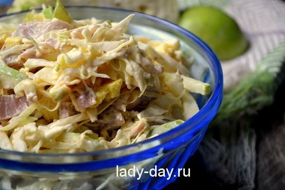 Салат из свежей капусты с курицей рецепт с фото очень ...