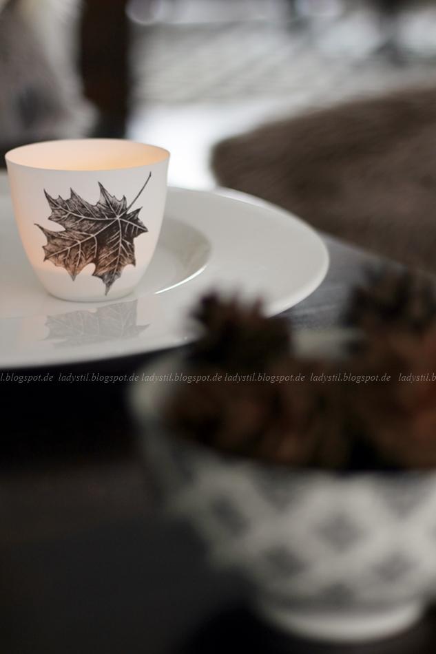 Herbstbaltt Teelicht mit Kerzenschein