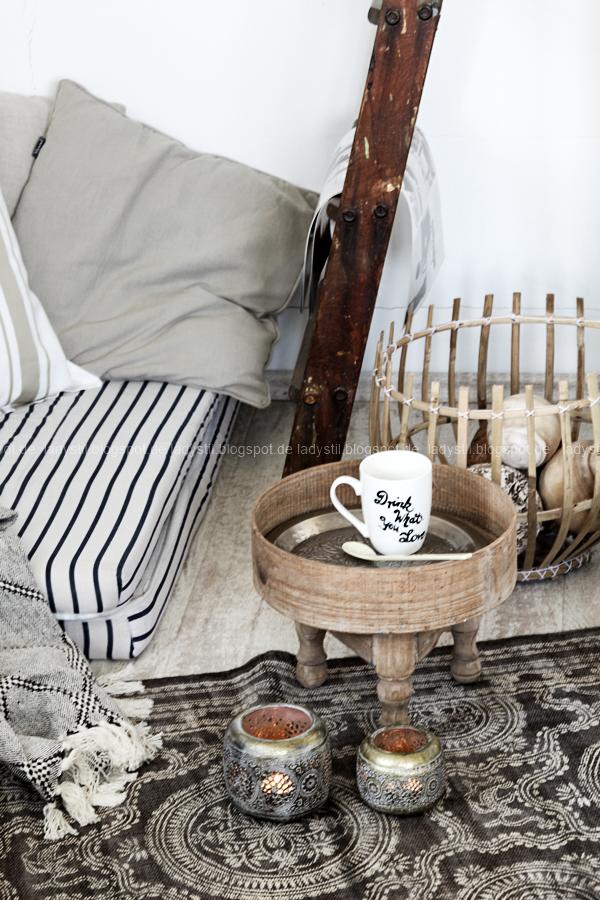 DIY pimp your pillow Bohostyle, Dreamcatcher, Wallsticker Boho, So schnell entsteht eine Indoor-Chill-Area, mit dickem Motive mit dickem Baumwollgarn auf Kissen nähen