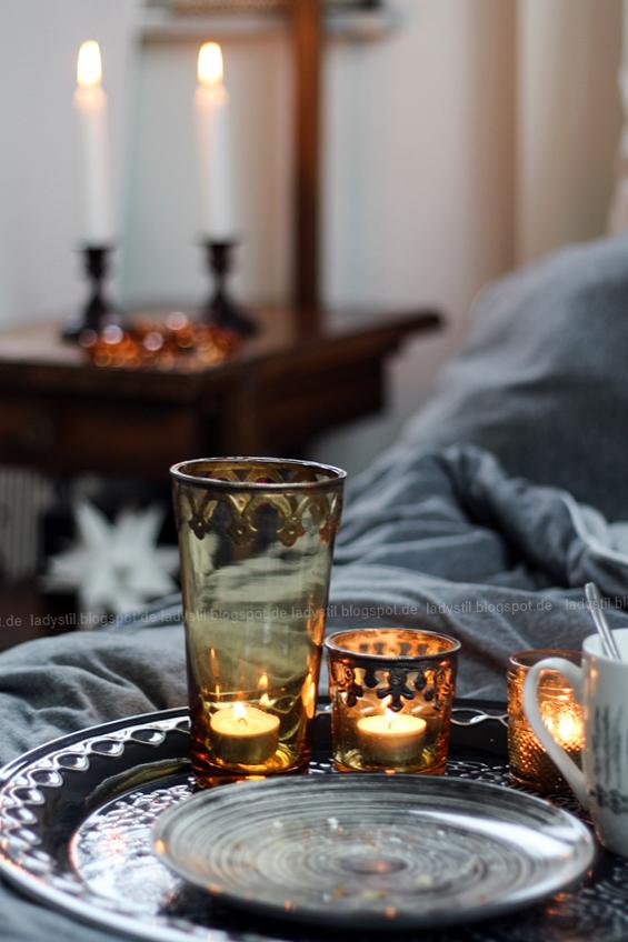 DekoDonnerstag, Schlafzimmer in Weiß Grau Holz mit Bohoelementen, orientalische Accesssoires
