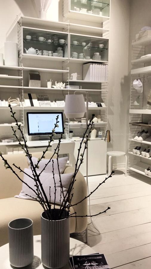 Weiß bei String Internationalen Möbelmesse imm2017 in Köln mit Herstellern wie String, Vita, Bloomingville,Cane-line und Carolijn Slottje