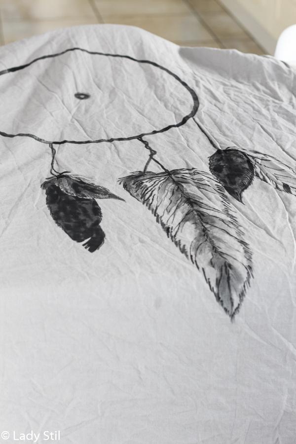 DIY Schritt für Schritt Anleitung Bettwäsche im Boho Look mit Traumfänger-Motiv, Textilien bemalen, Textilfarbe