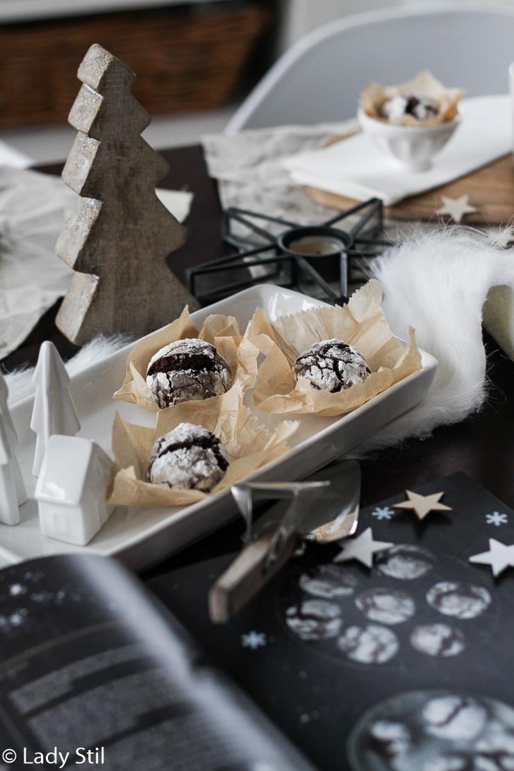 Aber eigentlich sind es nicht nur typische Weihnachts.... hm, ja Kekse sind es ja nicht ... und Plätzchen schon gar nicht ... sagen wir mal Weihnachtsköstlichkeiten, sondern eigentlich sind sie ganzjahrestauglich!