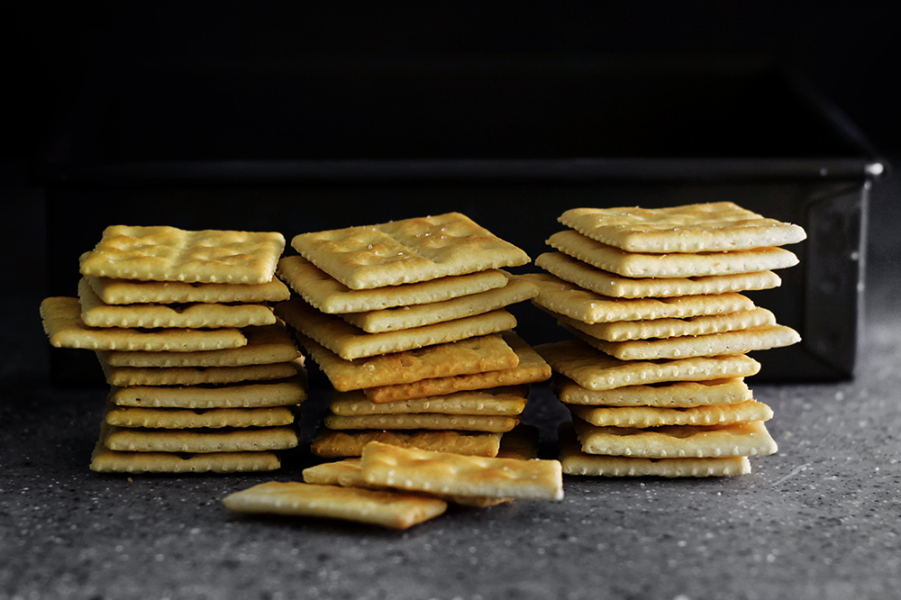 soda-cracker-sandwich
