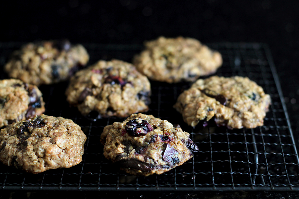 oatmeal-chocolate-blueberry-cookie09
