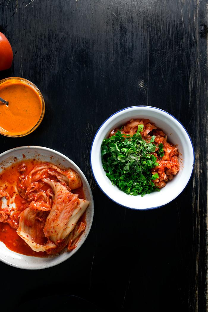 fried-dumpling-kimchi-nacho03
