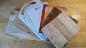 Cutting Boards: Wood vs. Plastic