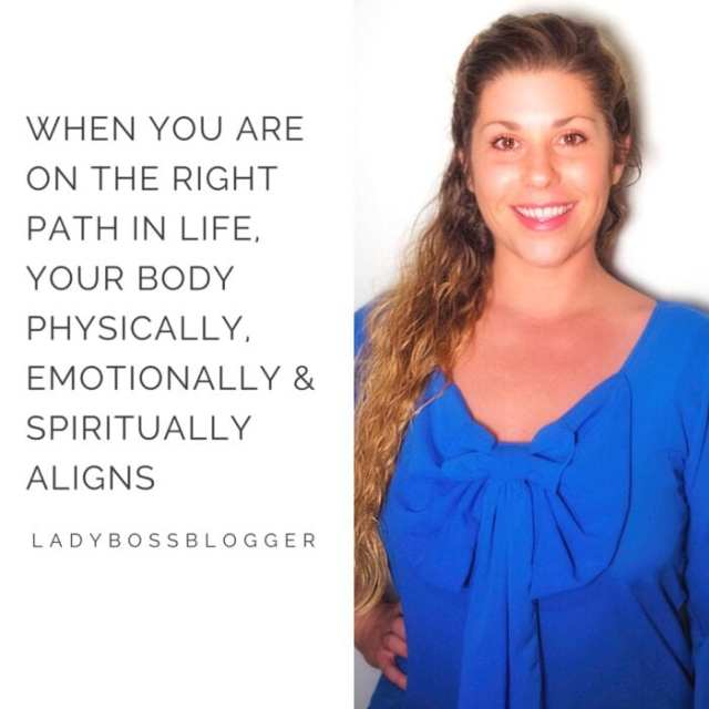 Female entrepreneur ladybossblogger Candace Thome SwimBrayV water safety