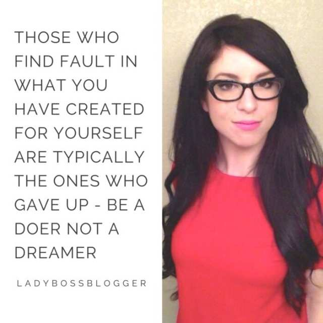 Female entrepreneur lady boss blogger Camille Lindstrom writer author