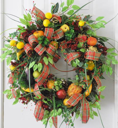 How To Make This Williamsburg Door Wreath