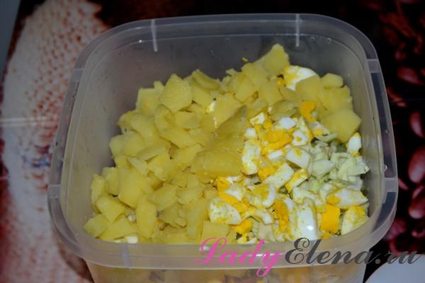 Салат из свежей капусты рецепт с фото очень вкусный с колбасой