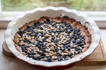 Borůvkový koláč s piniovými oříšky