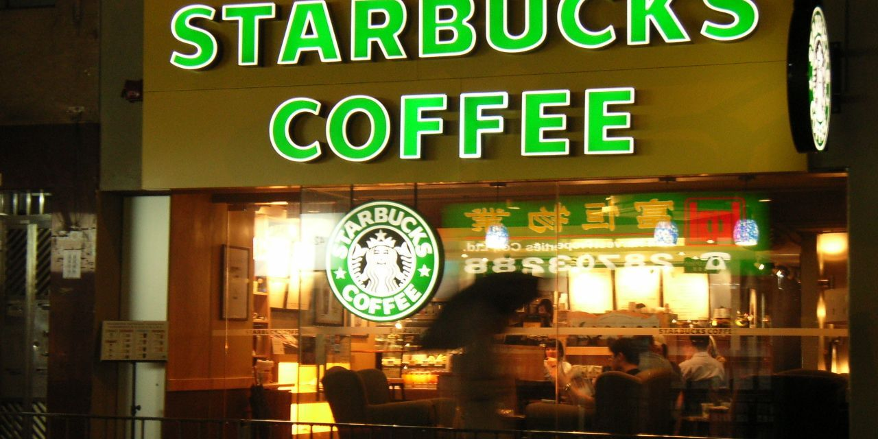 Starbucks to Hire 10,000 Refugees