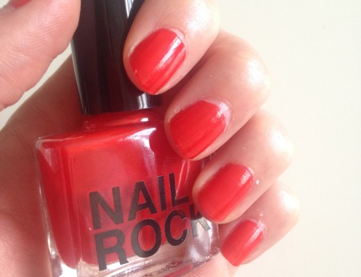 alt-nail-art-vernis-rouge-nail-rock-glitter-lady-heavenly