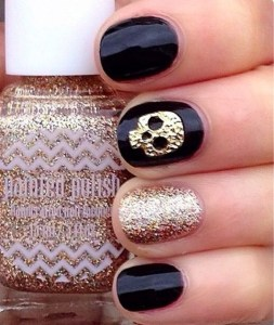 alt-halloween-nail-art-inspiration-glitter-black