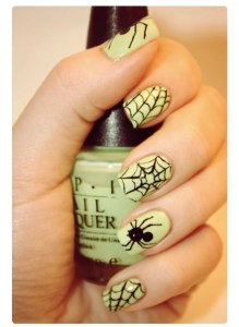 alt-halloween-nail-art-inspiration-green-spider