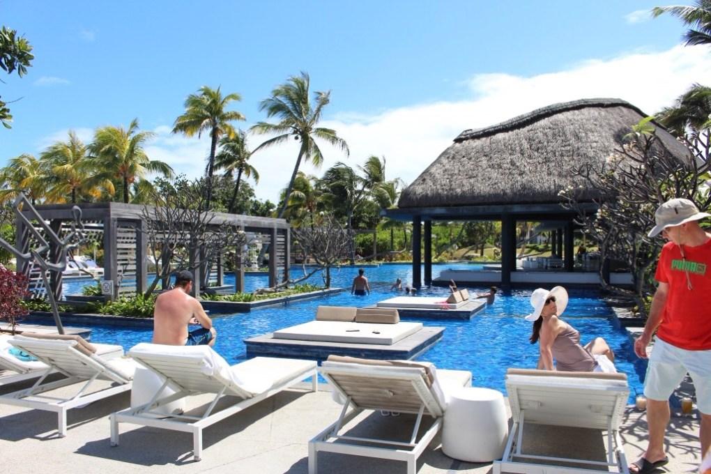 alt-mauritius-long-beach-pool