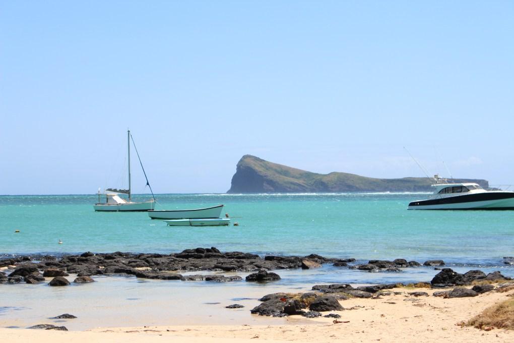 alt-nord-de-l'île-maurice-mer-turquoise-coin-de-mire