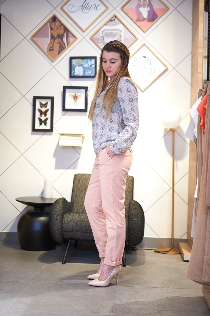 alt-lady-heavenly-chic-en-pantalon-london-of-burton-look-printemps