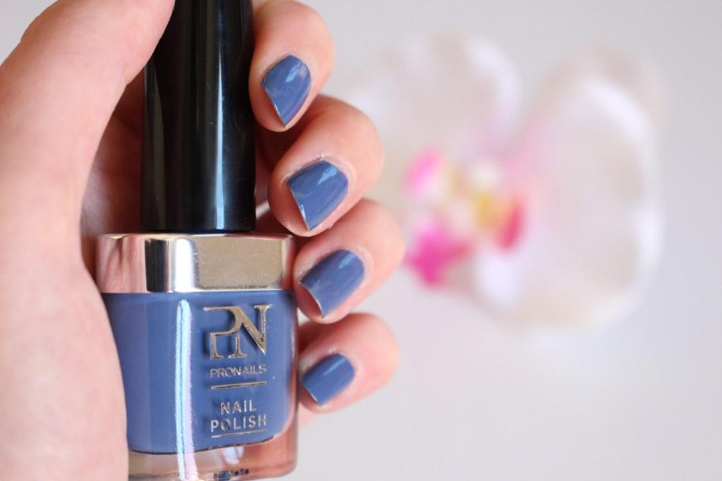 alt-vernis-bleu-make-waves-pronails-lady-heavenly