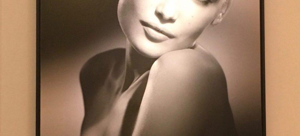 alt-portrait-studio-harcourt-noir-blanc-laetitia-casta